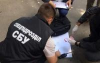 65 тыс. грн за сделку: в Ровно задержали госрегистраторов-рейдеров