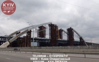 Подросток сорвался с Подольско-Воскресенского моста в Киеве