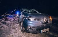 ДТП в Киеве: водитель Renault сбил бойца ВСУ