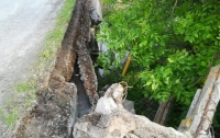 Несколько сел пострадали от одного моста (фото)
