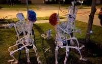 Скелеты-стриптизерши