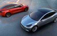 В Швейцарии водитель Tesla попал в аварию и сгорел