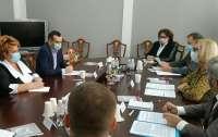 Голова ЦВК та Уповноважений ВРУ з прав людини обговорили питання доступності для людей з інвалідністю на місцевих виборах