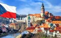 Российские дипломаты поселили в своих чешских домах неизвестных иностранцев