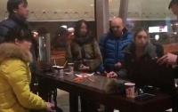 Торговля людьми: в аэропорту Харькова задержали 26-летнюю сутенершу