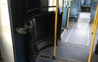 В Тернополе мужчина захватил троллейбус с пассажирами