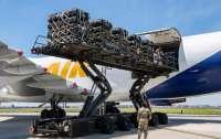 США подготовили военный груз к отправке в Украину