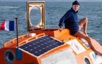 72-летний француз переплыл Атлантический океан в бочке