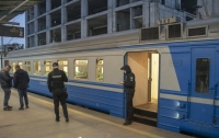 Пассажиры электрички нашли труп между сидениями