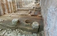 Ремонтировали метро, а нашли древние артефакты (фото)