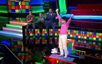 Подросток собрал на шоу талантов три кубика Рубика одновременно (видео)