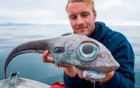 Норвежский подросток поймал удивительную рыбу, а затем ее съел