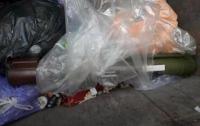 В Харькове дворник нашел в мусорном баке гранатомет