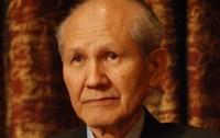 Умер лауреат Нобелевской премии по химии Симомура
