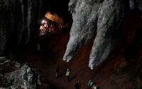 Из затопленной пещеры в Таиланде эвакуировали двух детей