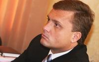 Уже через пару месяцев Янукович будет летать на работу на вертолете, - Левочкин