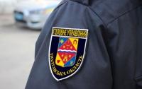 На Полтавщине патрульная пробила водителю-нарушителю колесо (видео)