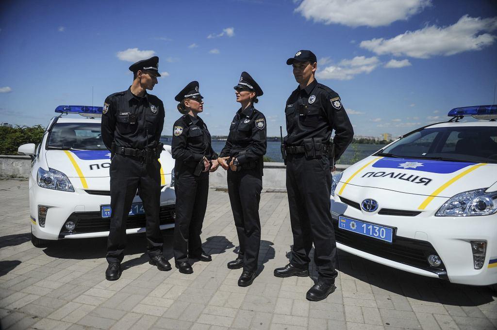 В одном из проблемных отделений полиции с силовиками работает психолог