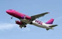 В самолет Wizz Air ударила молния