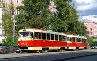 Авария в Киеве: автомобиль врезался в трамвай