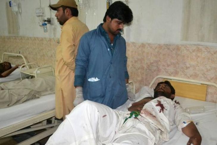 Смертник «Талибана» убил 5 мирных жителей вАфганистане