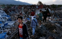 Названа сумма ущерба от землетрясений и цунами в Индонезии