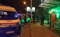 В Одессе автомобиль влетел в остановку с пассажирами