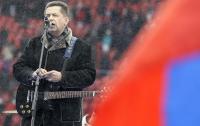 Лидер поп-группы рассказал, как пытался вручить Путину $100