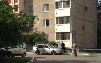 Возле жилого дома на Киевщине обнаружили труп человека